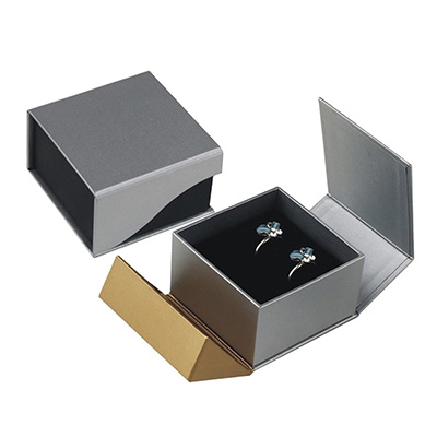 Collapsible Earring Gift Box with Magnetic Closure